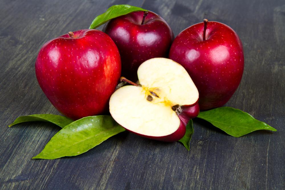 Hány kalóriát tartalmaz egy piros alma, az édes fajták..