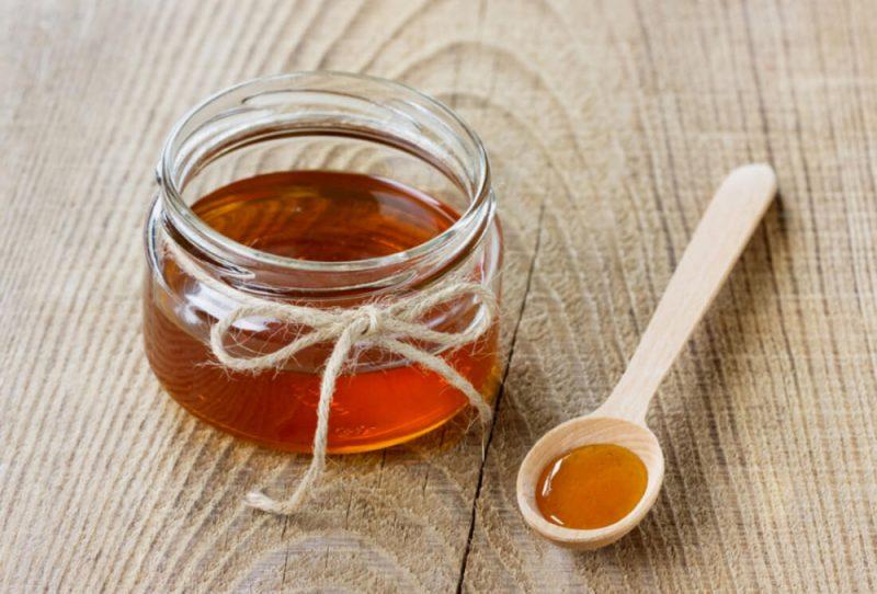 Koliko kalorija u žličici meda, vitamina i minerala, korisnih svojstava, kontraindikacija