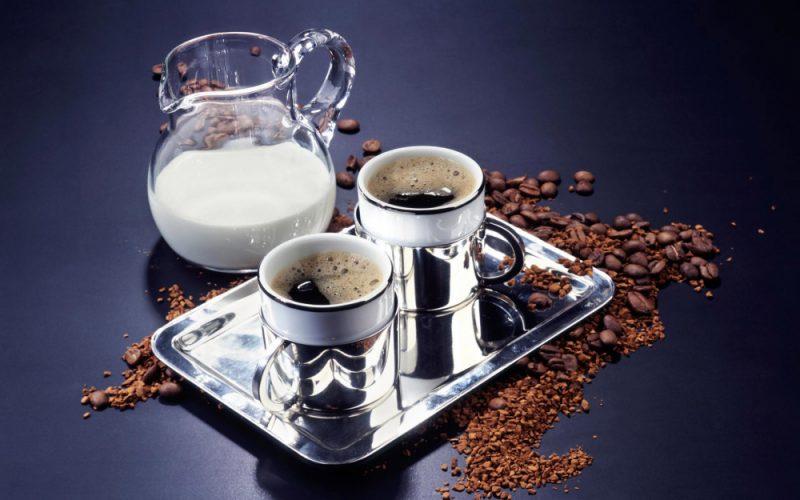 Koliko kalorija ima u kavi s mlijekom, sastav pića, koristi i štete za zdravlje
