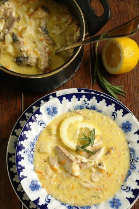 Soupe de poisson avec du riz
