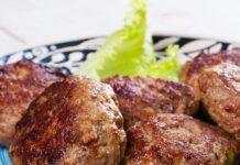 darált marhahús pogácsákat