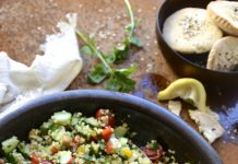Bulgur saláta, paradicsom, uborka és bab