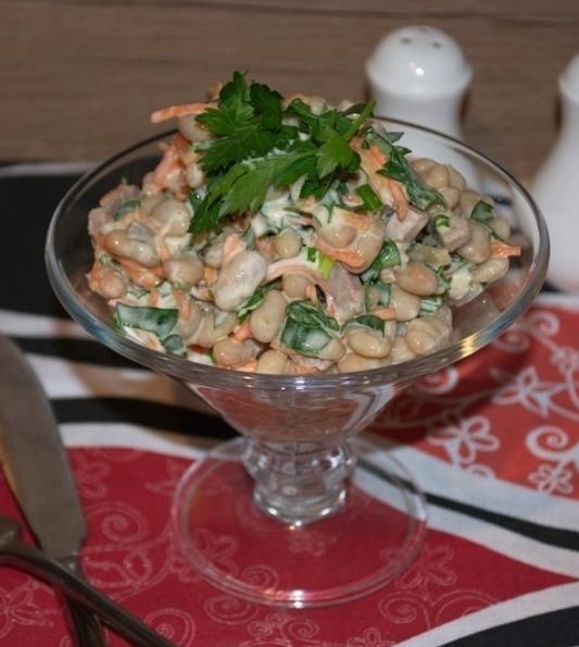 salade au poulet, aux champignons et aux haricots