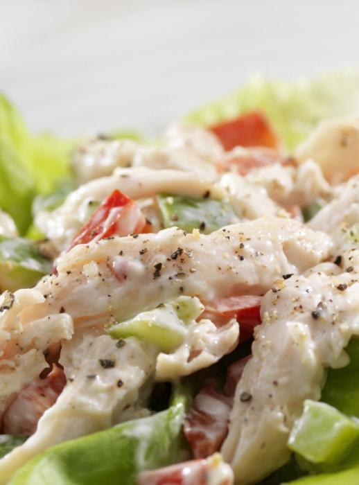 salade aux champignons marinés et légumes frais