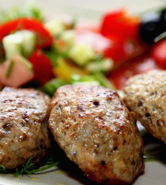 Kuhane goveđe kotlete u laganoj ploči za kuhanje