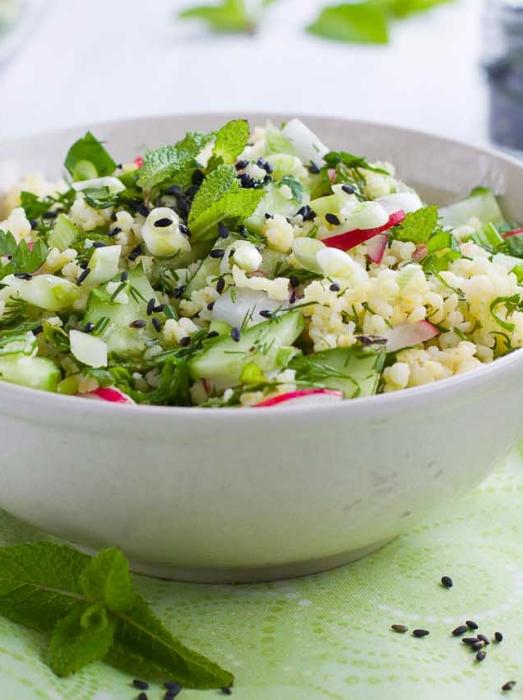 bulgur au concombre, radis et graines de sésame