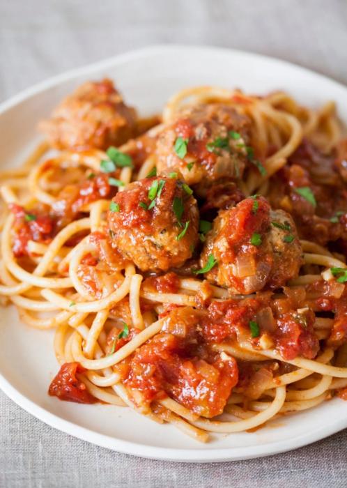 špagete s mesnim okruglicama