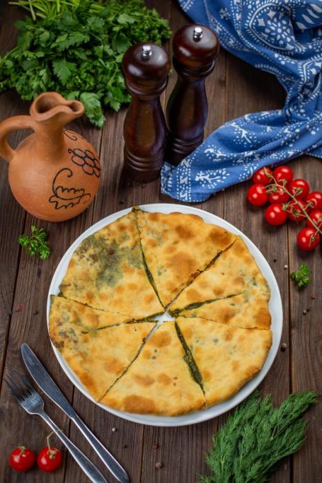 Osetijas siers un spinātu pīrāgs