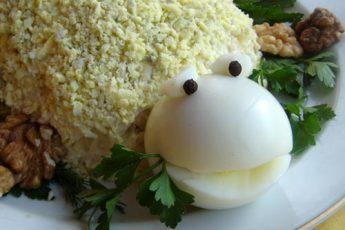 bruņurupuča salāti ar vistu un ābolu